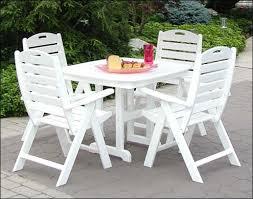 white outdoor furniture change is strange