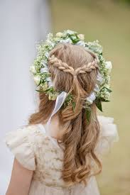 flower girl hair 15 gorgeous flower girl hairstyles brit co