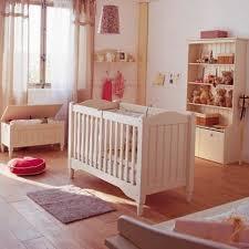 chambre bébé fly table de lit a roulettes