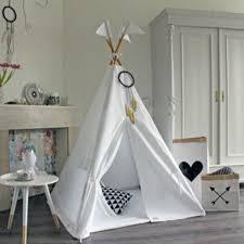 jeux de amoure dans la chambre amour arbre enfants tipi tente blanc une fenêtre enfants jouer