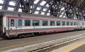 carrozze treni file carrozza fs gc livrea eurostarcity jpg wikimedia commons