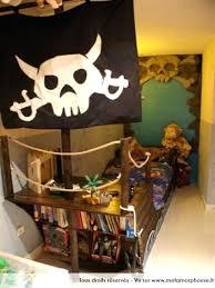 chambre garcon pirate le bateau lit de la chambre pirate avec sa voile et with
