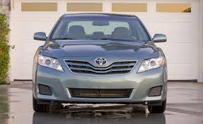 toyota car models toyota improves camry v 6 fuel economy for 2011 car and driver blog