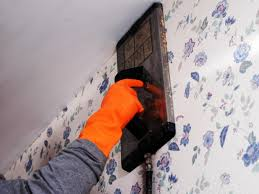 How To Take Cabinets Off The Wall How To Remove Wallpaper Using Solvents Or Steam Hgtv