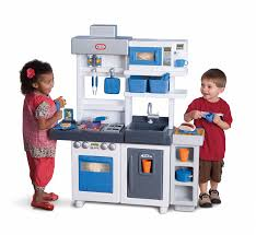 kitchen amazon com little tikes ultimate cook toys games set