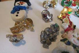 vintage christmas jewelry brooches pins craft supplies