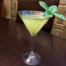 cocktail martini basil martini