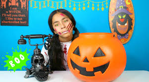 giant pumpkin spooky surprise halloween candy review trick or