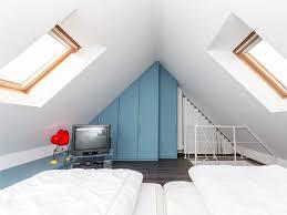 wohnideen in dachgeschoss ideen kleines wohnideen unterm dach die besten 25 dachgeschoss