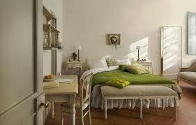 chambre provencale exercice de style ensoleillez votre foyer grâce à une déco provençale