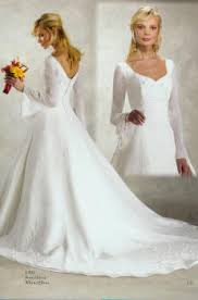 trumpet sleeve wedding dress brides helping brides does anyone not a strapless wedding