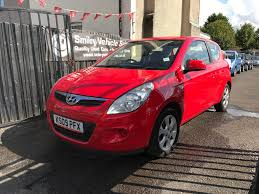 hyundai hatchback hyundai i20 red 1 2 petrol manual 3 door hatchback 2009 fantastic
