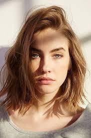 coupe carrã cheveux fins 20 coiffures idéales pour les cheveux fins mèche sur le côté