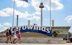 concord mills thanksgiving hours amusement park hours carowinds