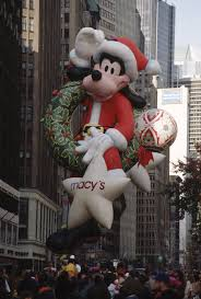 santa goofy balloon s test flight before the 1992 macy s