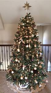 Christmas Tree With Gold Decorations 139 Best Gold And Brown Christmas Images On Pinterest Christmas