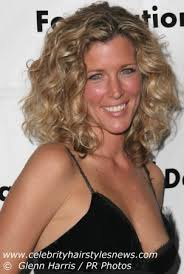 laura wright hair laura wright with hair lifted in curls and bouncy waves