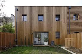 bardage bois claire voie cloture facade maison simple entreprise jean beauregard with
