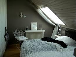Bilder F Schlafzimmer Feng Shui Tapete Schlafzimmer Schräge Arkimco Com Unterm Dach