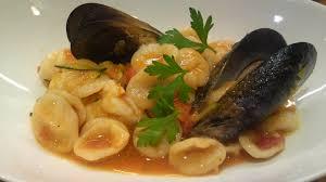 il central cuisine cuisine cozze e gamberi salsa al pomodoro at il castagno
