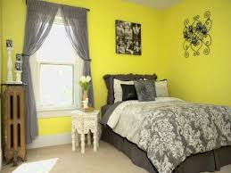 yellow and grey wall decor bedroom ideas what colors go well with