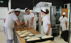 cours de cuisine avec thierry marx ecole cuisine aim students at the cole de cuisine alain ducasse
