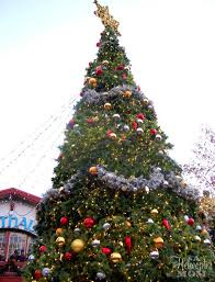 christmas town at busch gardens williamsburg a helicopter mom