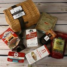 Cheese And Cracker Gift Baskets Wisconsin U0027s Best And Wisconsin Cheese Company Deluxe Cheese