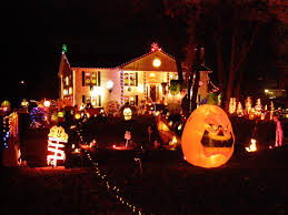 Halloween Lawn Ornaments Halloween Decorated Houses Decorating Ideas Gingerbread Houses