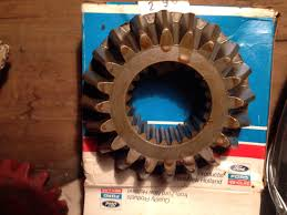 787112 oem new holland 20t bevel pinion gear for round baler