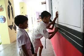 walls of government schools in nagpur now serve as teaching aids too