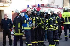 Feuerwehr Bad Kreuznach Schulbus Kollidierte In Der Ortsmitte Von Nittel Mit Pkw U2013 Saar