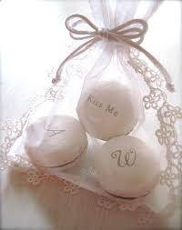 macaron wedding favors wedding macarons guide flavors usages and presentations