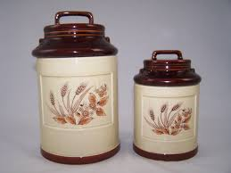 vintage kitchen canister sets 28 images uncanny canister set