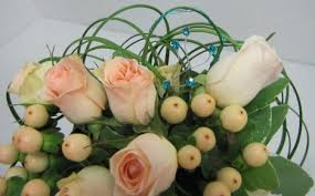 How To Make Wedding Bouquets How To Make Wedding Bouquets Free Flower Tutorials