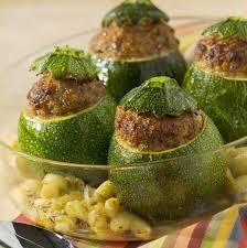 cuisiner courgette ronde courgettes rondes farcies au basilic maggi