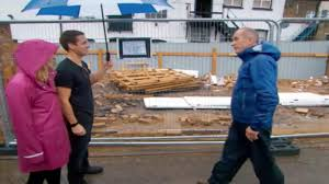 grand designs kevin helps channel 4 show couple build tiny two
