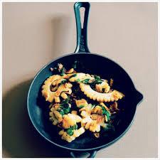 cuisiner les blancs de seiche blancs de seiche sautés à l ail marabout côté cuisine