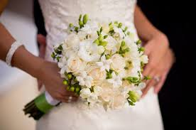 wedding flowers august country club flower shop green and white wedding at the lake