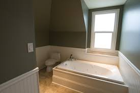 Bathroom Wainscoting Ideas by Ideas U0026 Tips White Wainscoting Ideas With Siver Wall And Webbing