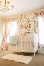 fleurs dans une chambre chambre bébé fille chambre bébé fille bébé filles et chambres