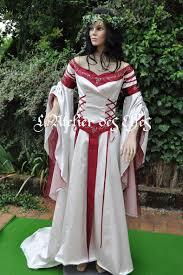 mariage celtique la robe de mariée celtique de dame laetitia par l atelier des elfes