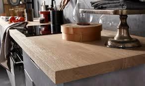 cuisine plan de travail bois quelle matière choisir pour mon plan de travail côté maison