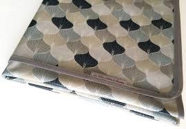 nappe en coton enduit nappe rectangulaire en toile cirée enduite motif graphique