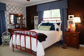 bed under window decorating tips for boys bedroom