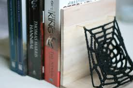 Horror Themed Home Decor by Diy Horror Themed Bookends