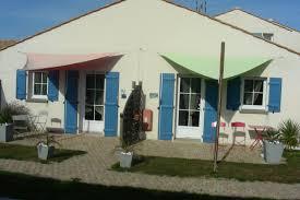 chambre d hote gilles croix de vie chambre le phare bleu avec piscine à proximité de gilles croix