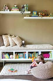 but rangement chambre etagere chambre enfant optimiser rangement chambre enfant etagares