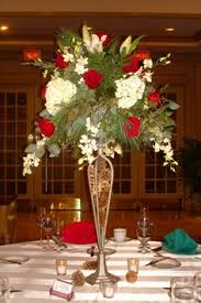 amazing winter wedding centerpieces cranberries and white