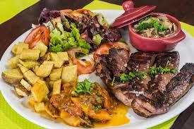 cuisine du terroir cuisine du terroir simple et généreuse au restaurant du castel de